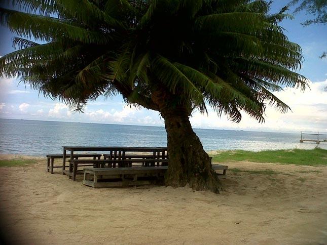 Wisata pantai Lamaru Balikpapan