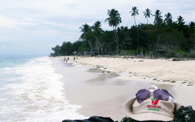 Wisata pantai Lemo-Lemo Bulukumba