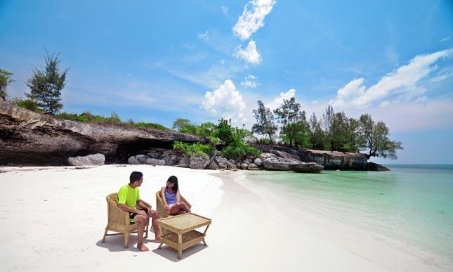 Wisata pantai Pa'badilang Sulawesi