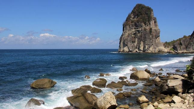 Wisata pantai Pangasan Pacitan