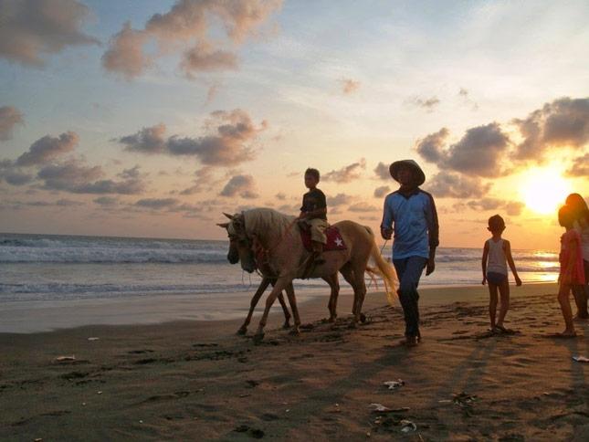 Sunset di pantai Petanahan