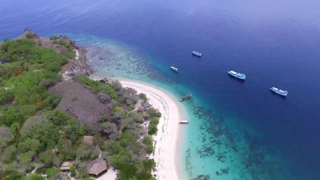 Pantdi pulau Bidadari Flores NTT