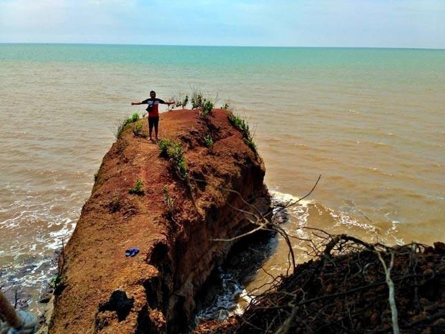 Keunikan pantai Punuk Sapi