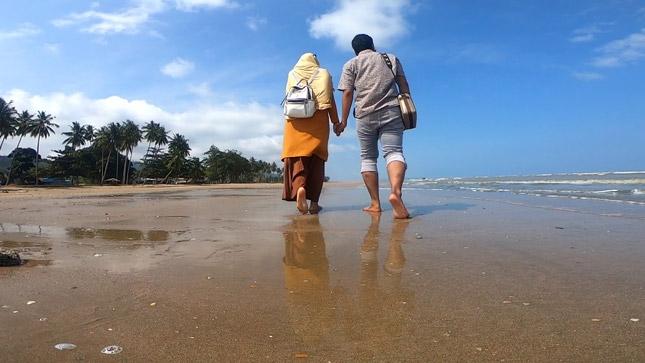 Wisata pantai Sekerat Bengalon Kalimantan