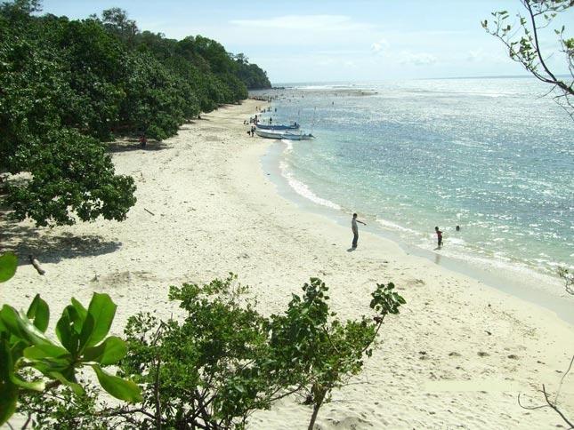 Pantai Singkil Karangpakis