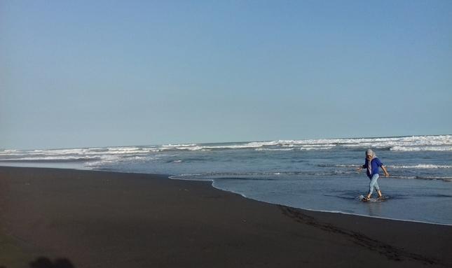 Wisata alam pantai Sodong