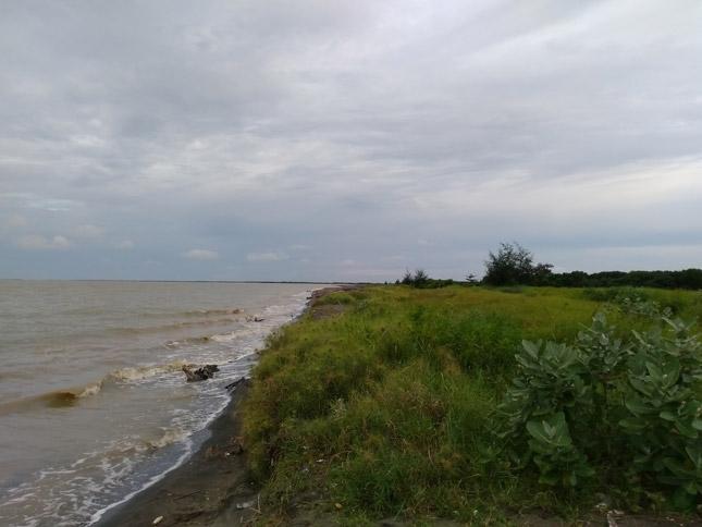 Wisata alam pantai Solikin