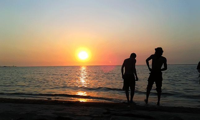 Sunset di pantai Teluk Awur di