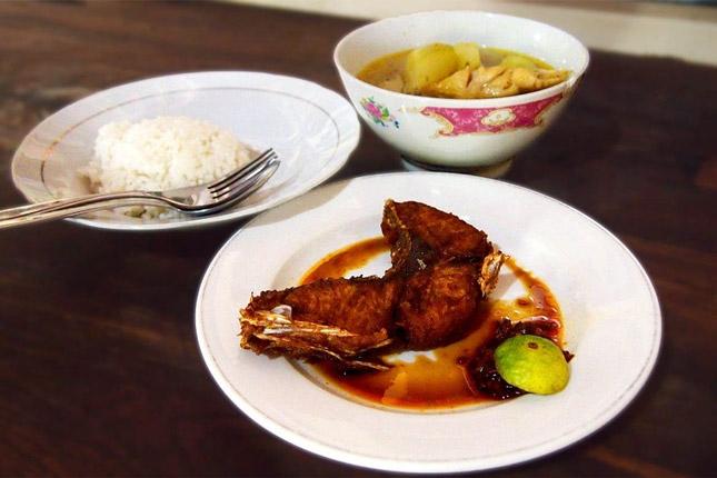 Wisata kuliner Warung Mak Beng