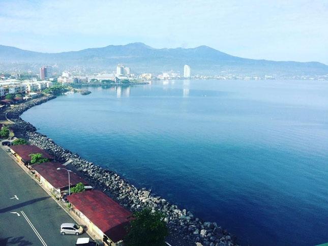 Kawasan pantai Boulevard Manado