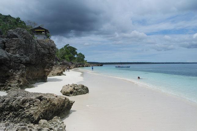 Wisata pantai di Kupang NTT