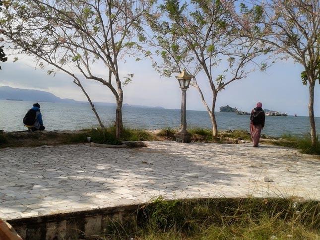 Keindahan pantai Duta Wisata