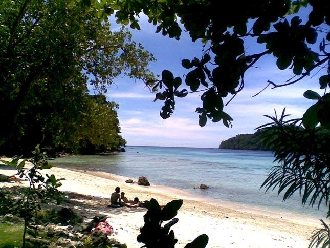 Destinasi wisata bahari pantai Gapang