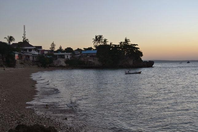 Wisata pantai Ketapang Satu Kupang