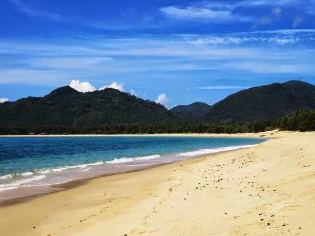 Destinasi wisata pantai Lhoknga