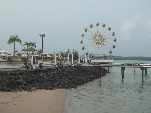 Pantai wisata Mega Ocarina Batam
