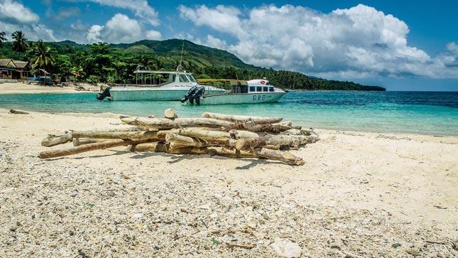 Destinasi wisata pantai Santai Ambon