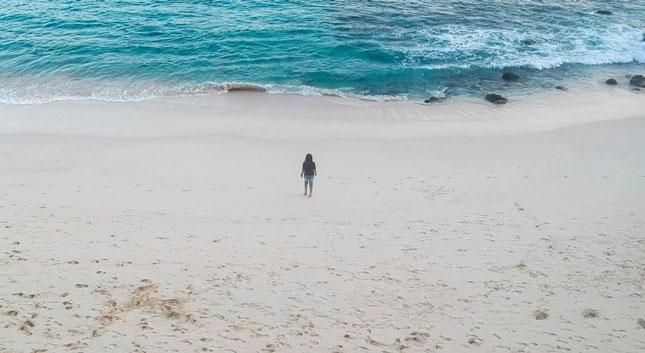 Keindahan pantai Watotena