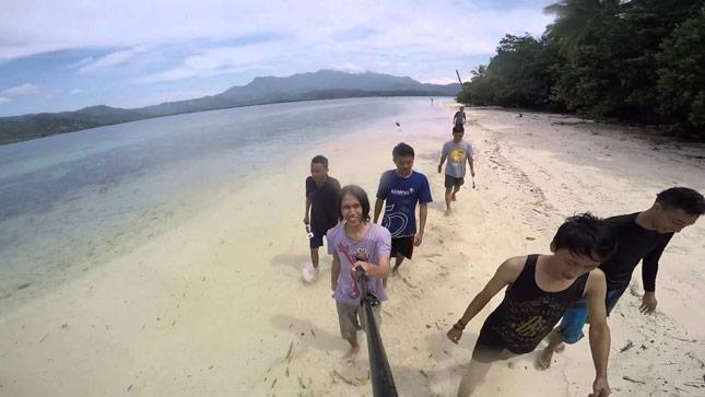 Pantai di pulau Balak