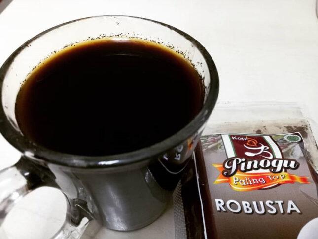 Minuman kopi pinogu khas Gorontalo
