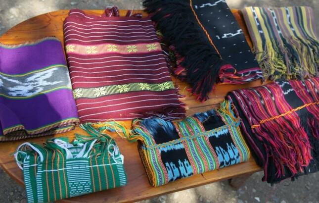 Kain tenun ikat khas Ternate