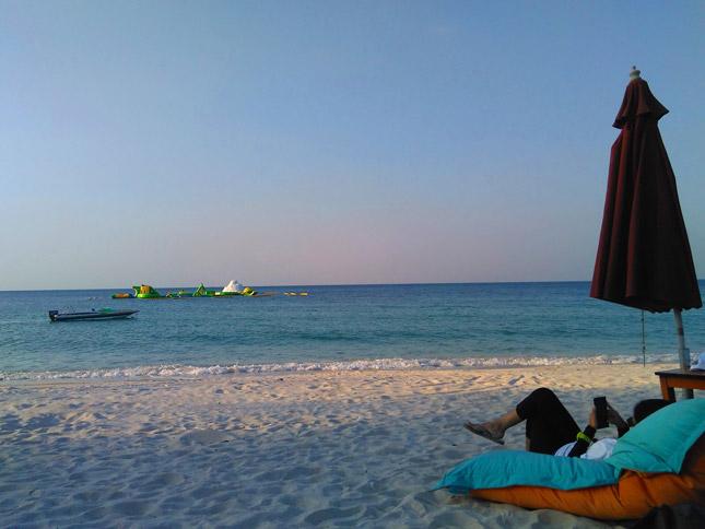 Jelang sunset di pantai Jimbaran Belitung