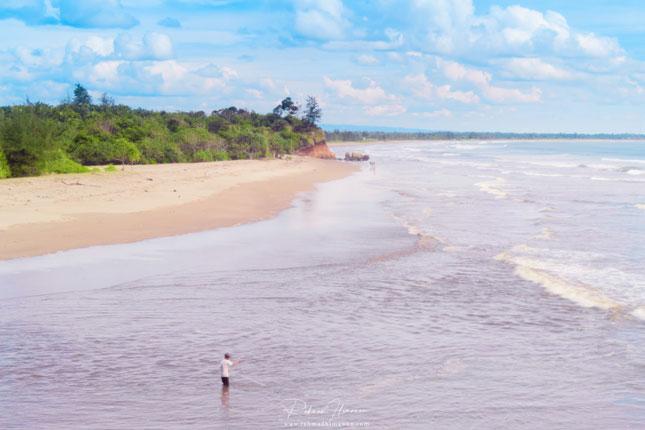 Panorama alam pantai Padang Betuah