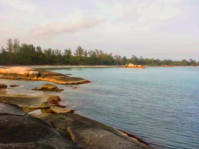 Mentari sore di pantai Panyabong