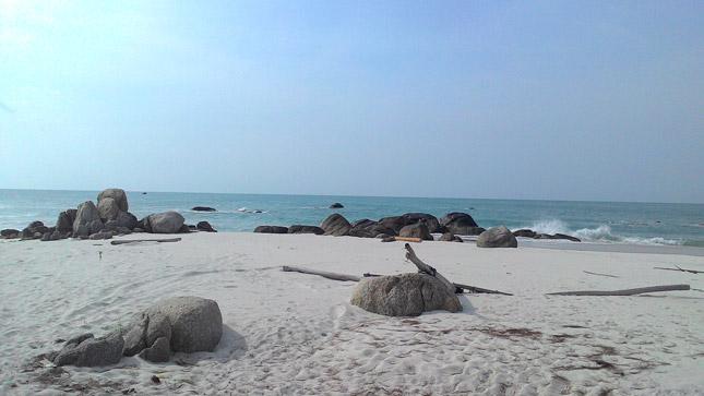Eksotisme pantai Tanjung Berikat