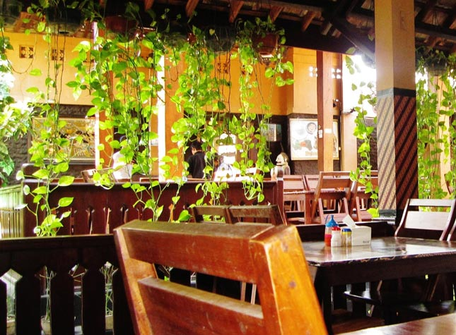 Rumah makan Joglo Manis