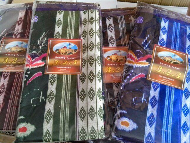 Sarung tenun khas kota Samarinda