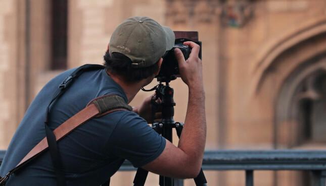 Tips merawat kamera saat liburan